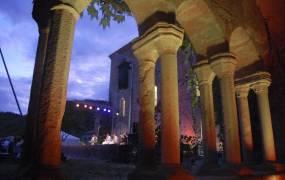 Festival de Musiques Sacr�es - Musiques du Monde de l'Abbaye de Sylvan�s