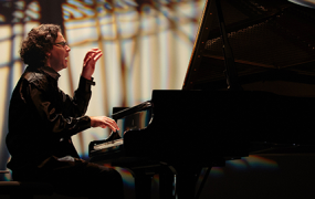Spectacle Le pianiste aux 50 doigts