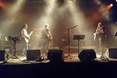 Concert des groupes locaux à Biscarrosse