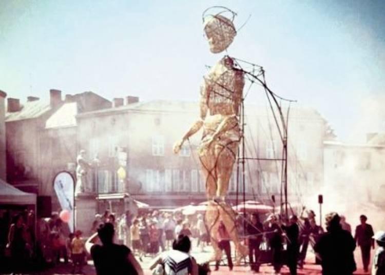 Cie l'homme debout - Rabiouband - Cie 26 000 Couverts � Perpignan