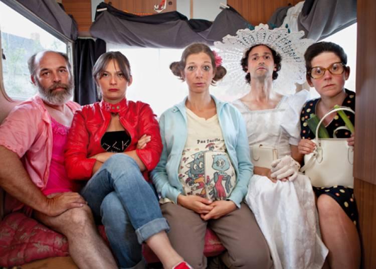 Compagnie La Déferlante - Les Barbues, en déambulation à Chalon sur Saone
