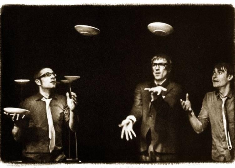 Compagnie Pol & Freddy - Le Cirque d�mocratique de la Belgique � Chalon sur Saone