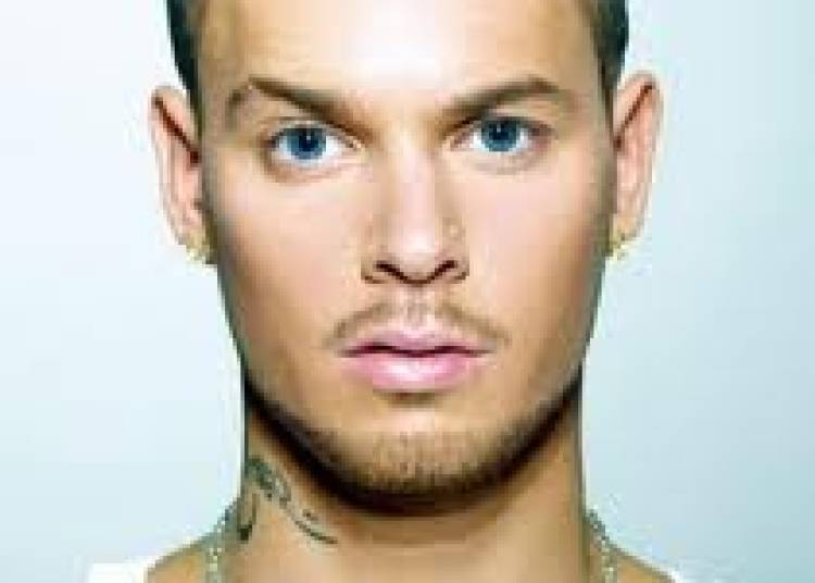 M Pokora � Paris 19�me