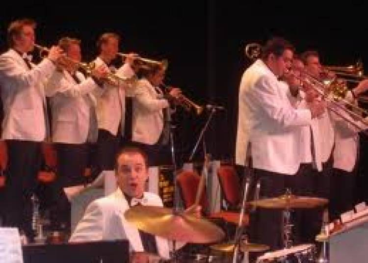 The Glenn Miller Memorial Orchestra � Lille
