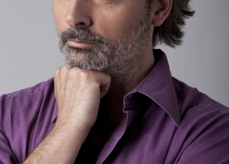 Christophe Al�v�que � Paris 8�me