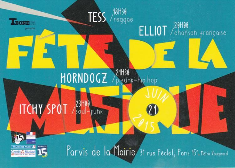 Tess, Elliot, Horndogs et Itchy Spots à Paris 15ème
