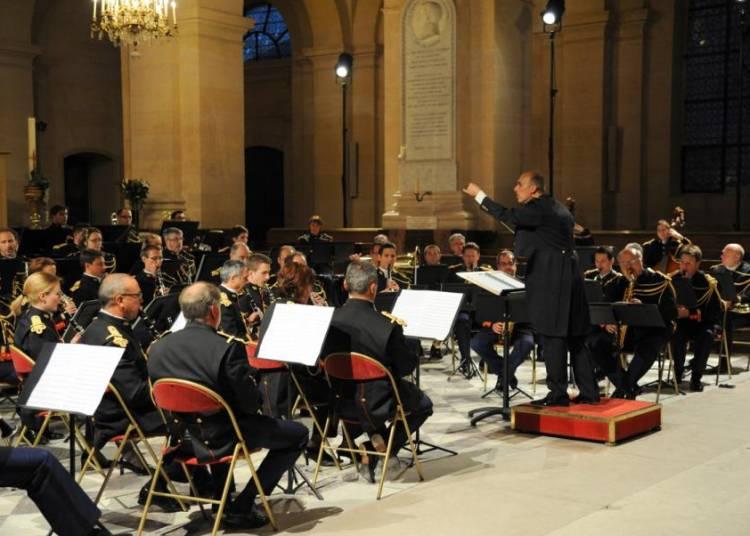 Orchestre d'harmonie et fanfare de cavalerie de la Garde Républicaine à Paris 7ème