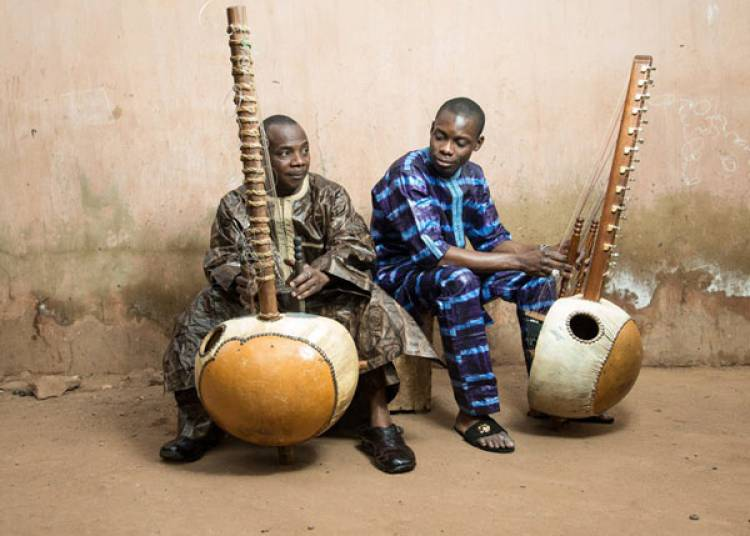 Toumani et Sidiki Diabate � Paris 19�me