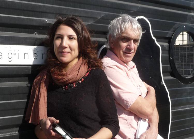 Sur l'�cran noir du th��tre du Pr� Perch� � Rennes