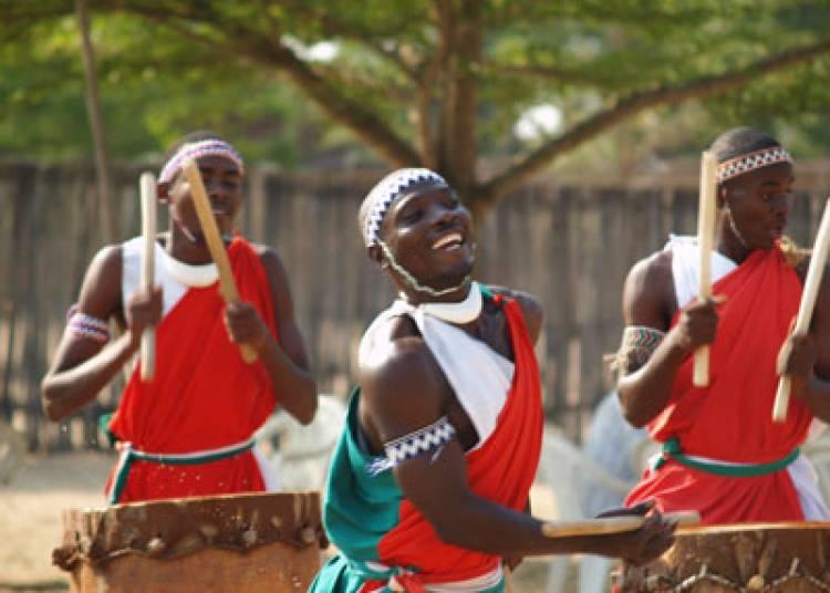 Punish Yourself Vs Les Tambours du Burundi � Agen