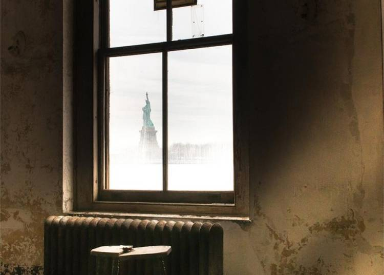 Ellis Island et les portes de New-York � Rennes