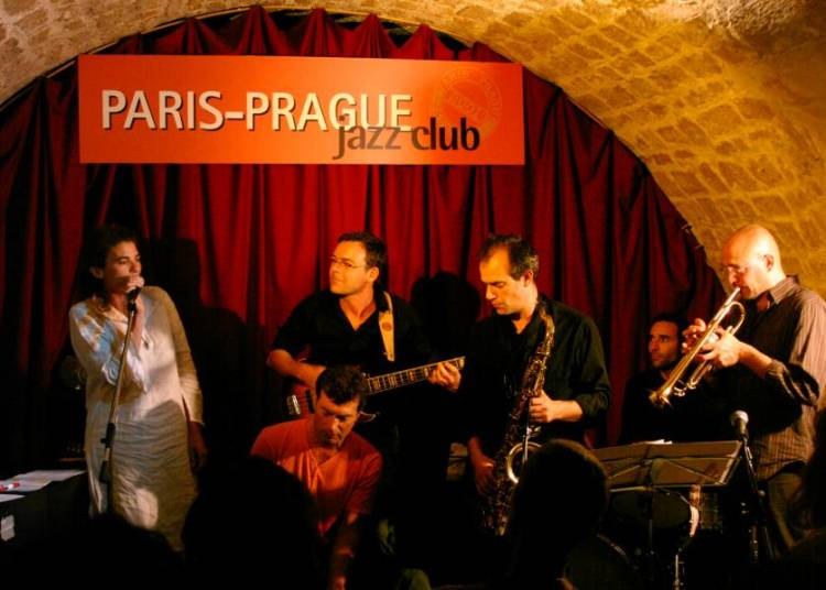 Azarine 6 � Paris 6�me