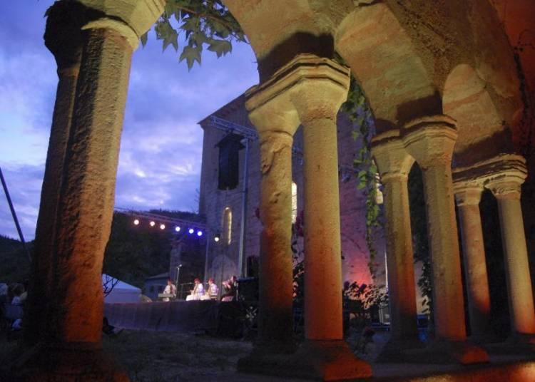 Festival de Musiques Sacr�es - Musiques du Monde de l'Abbaye de Sylvan�s 2016