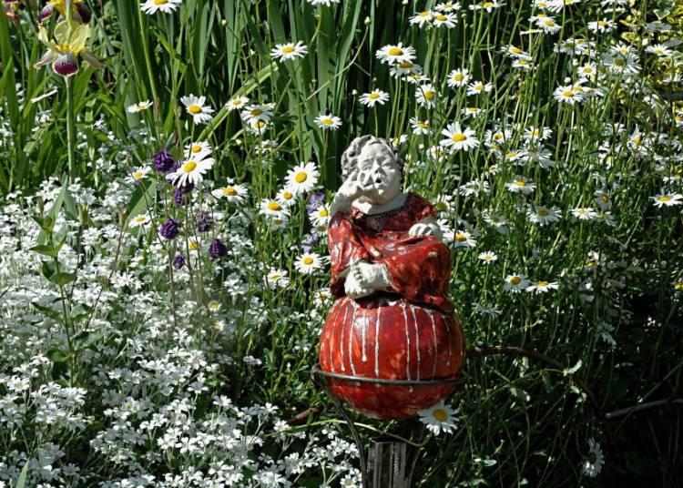 Visite d'un jardin artistique � Tarascon sur Ariege
