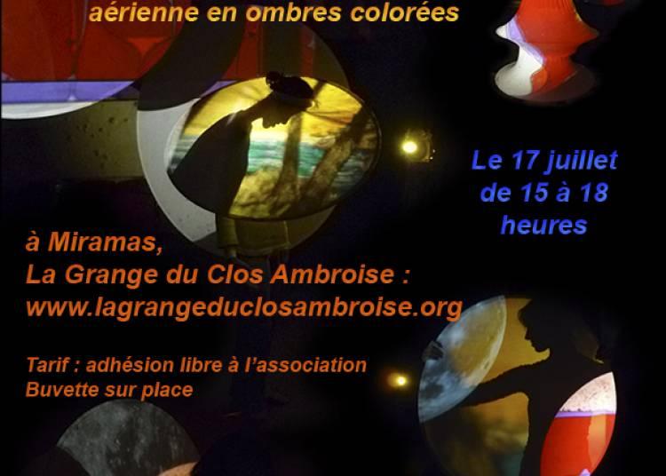 D�ambulation cont�e et danse a�rienne en ombres color�es � Miramas