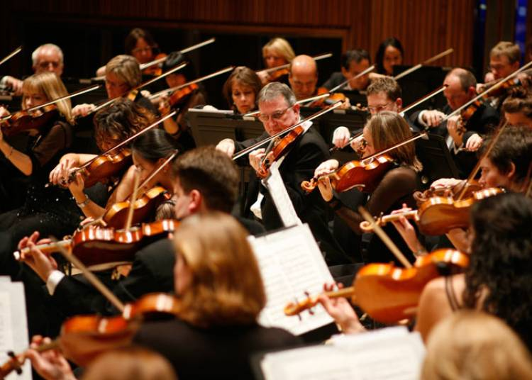 London Philharmonic Orchestra � Paris 8�me