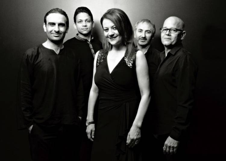 Dorsaf Hamdani chante Barbara et Fairouz à Saint Martin des Champs
