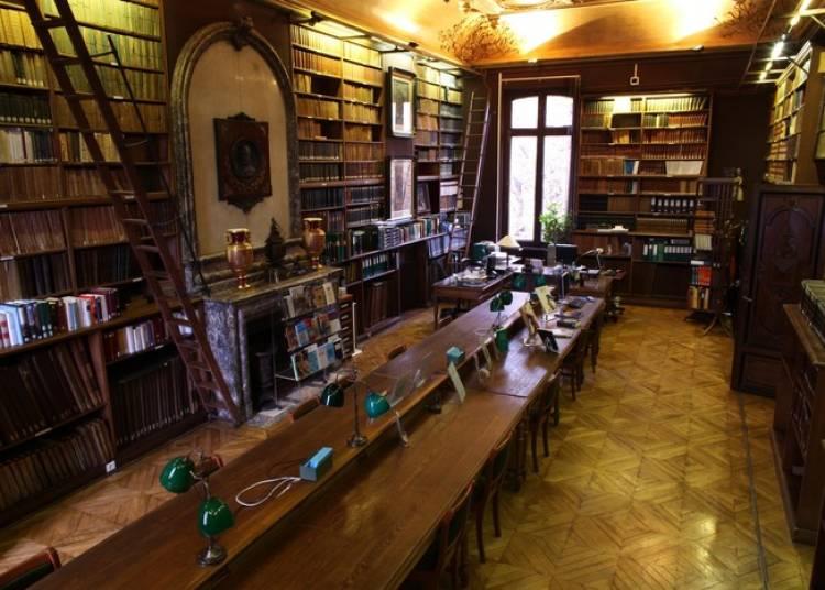 Visite Libre De L'h�tel Et De La Biblioth�que � Paris 9�me