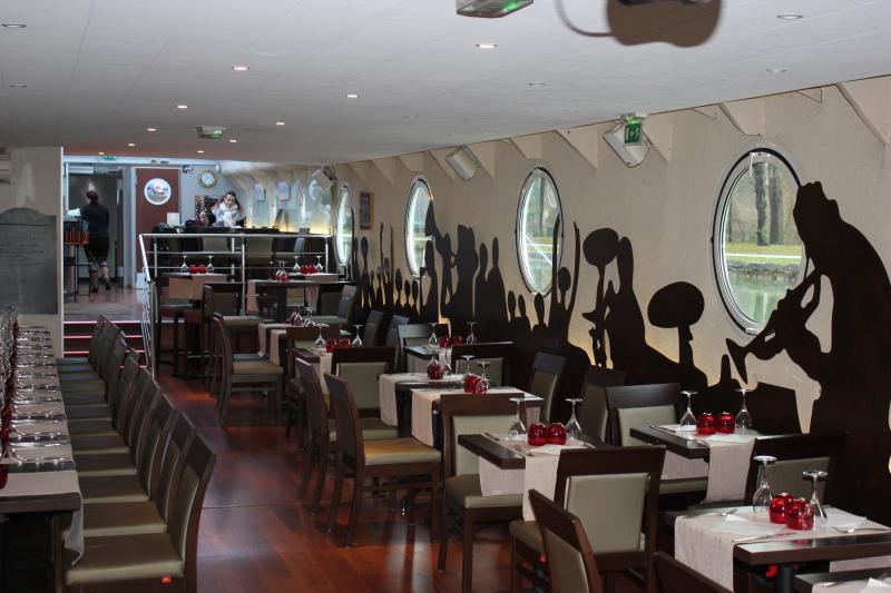 bateau restaurant la petite seine reims. Black Bedroom Furniture Sets. Home Design Ideas