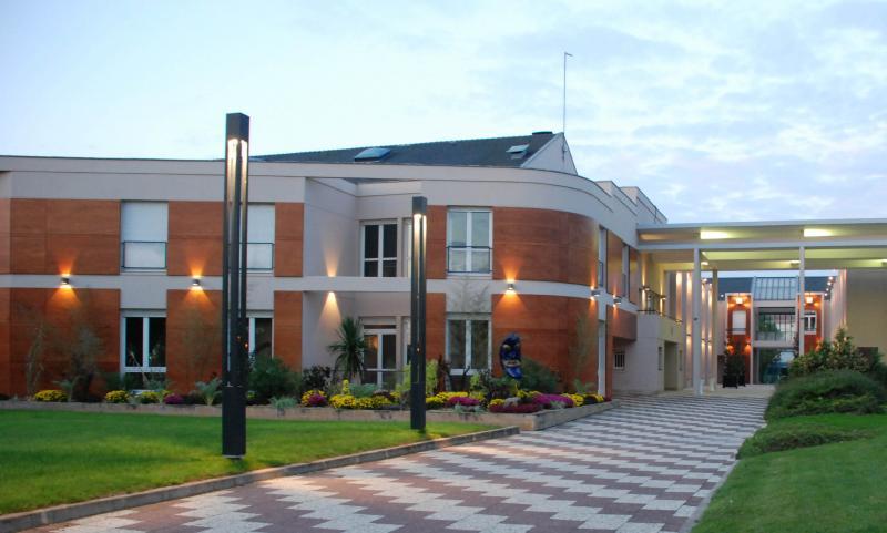 Centre culturel didier bienaim la chapelle saint luc for Piscine de la chapelle saint luc