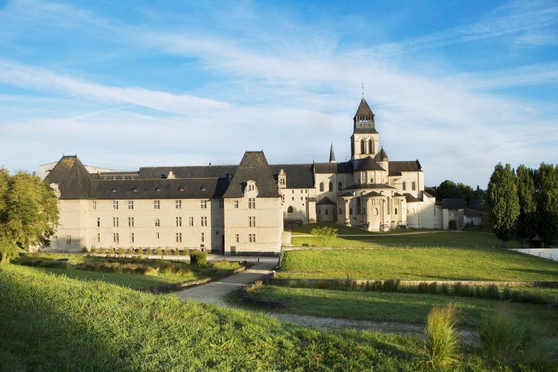 Hotel abbaye royale de fontevraud fontevraud l 39 abbaye - Hotel abbaye de fontevraud ...