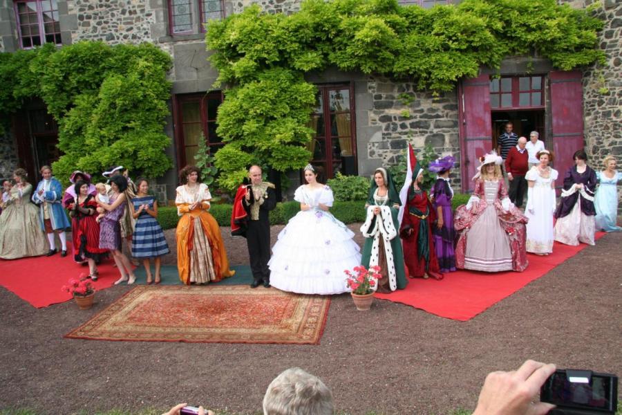 Exposition tous au jardin f erie de l 39 histoire au for Au jardin wedding