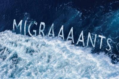 Migraaaants (On est trop nombreux sur ce putain de bateau) - Création Chêne Noir à Avignon