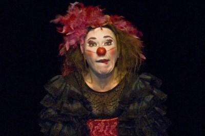 Deux clowns aux Carmes à Avignon