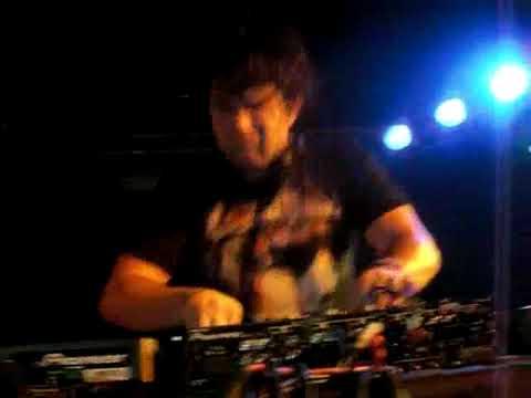 DJ Tom'B
