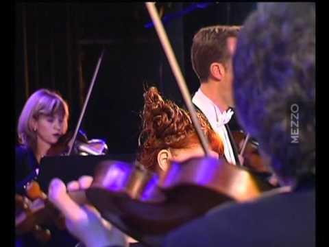 Stabat mater / Helen Kearns Robert Expert et Stradivaria