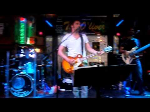 The Oliver Irish Pub - Café Concert