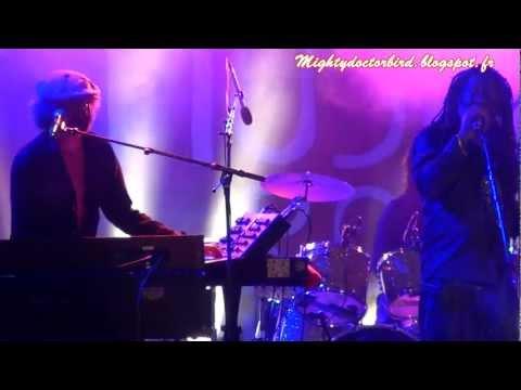 Winston McAnuff and The bazbaz orchestra