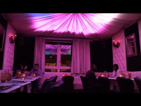 Restaurant music hall
