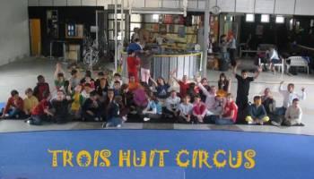 Trois huit circus